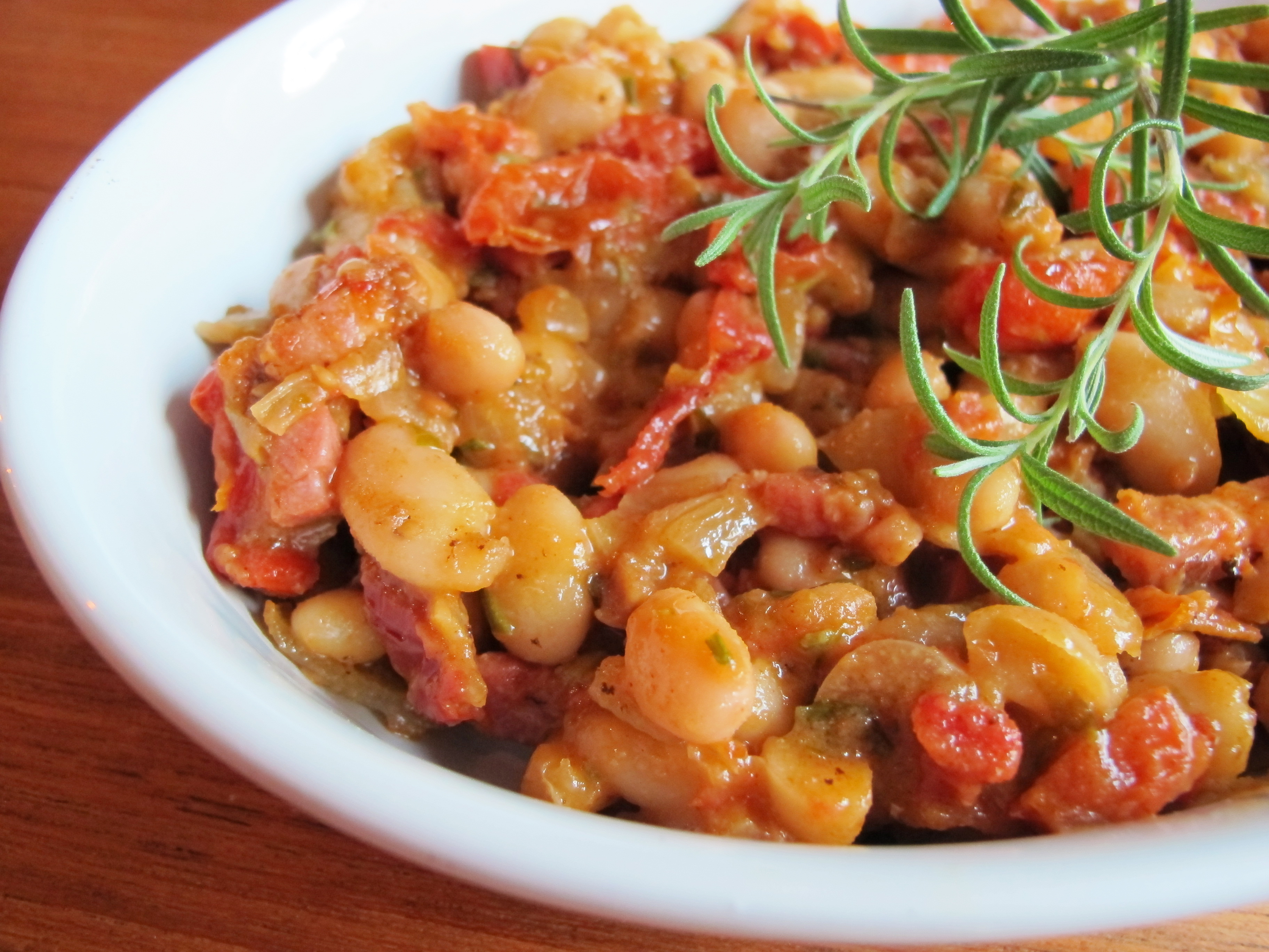 White beans with roasted cherry tomatoes and rosemary | semiswede