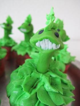 Chewlian cupcake closeup_9446