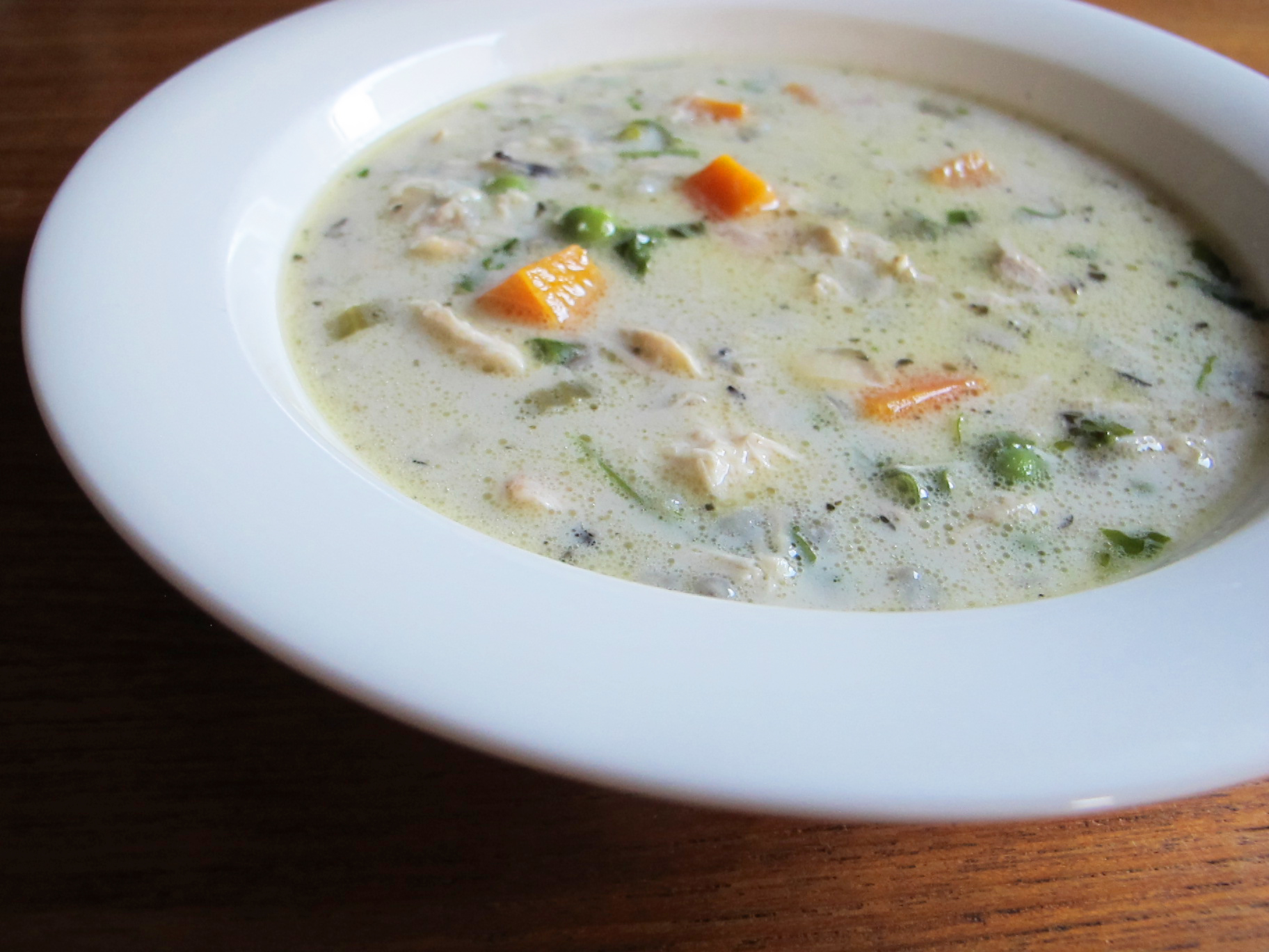 Slow cooker creamy chicken and wild rice soup | semiswede